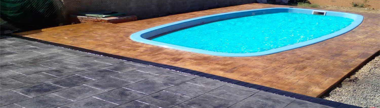 hormigón impreso en Madrid borde de piscina