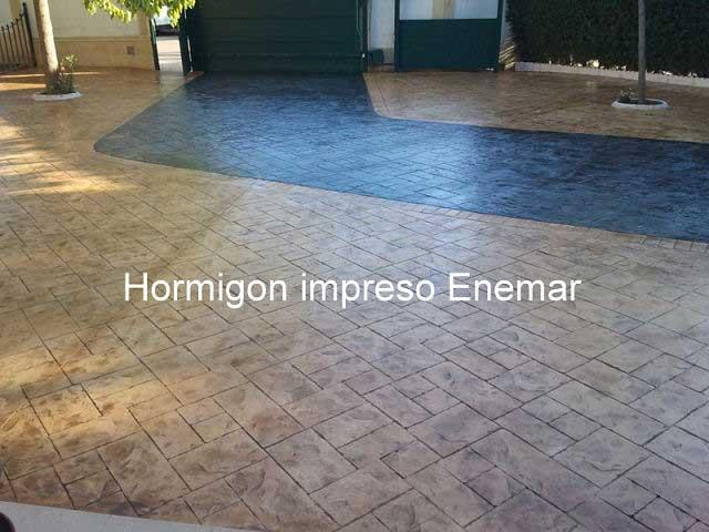 Hormigón impreso Majadahonda patio con textura piedra de silleria