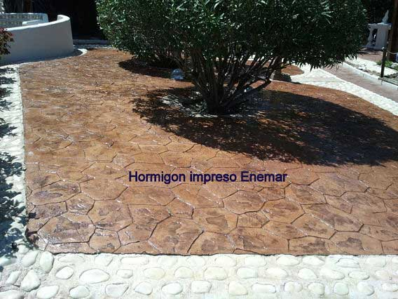 Hormig n impreso galapagar madrid patio con moldes for Hormigon impreso youtube